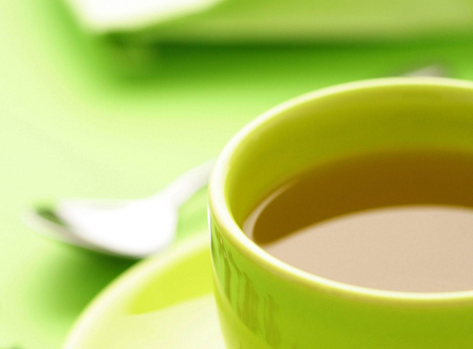 O chá verde é um grande aliado à saúde. Aqui estão seus principais benefícios