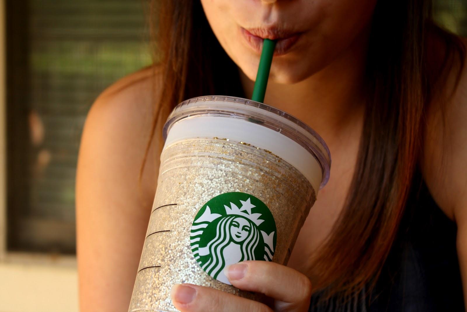 Por que os baristas escrevem nosso nome errado na Starbucks?